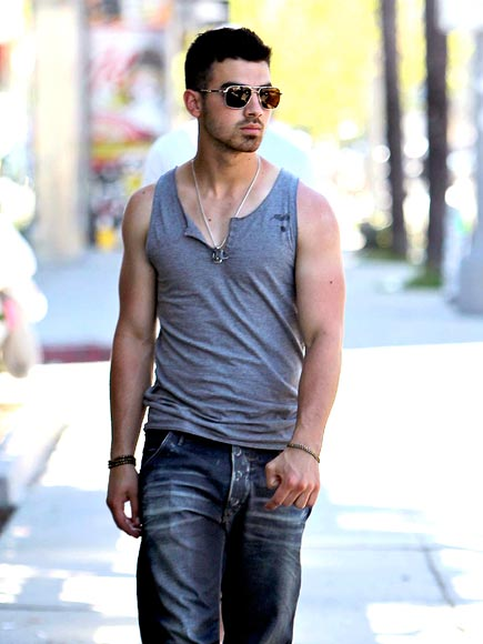 LATTE HOTTAY photo | Joe Jonas