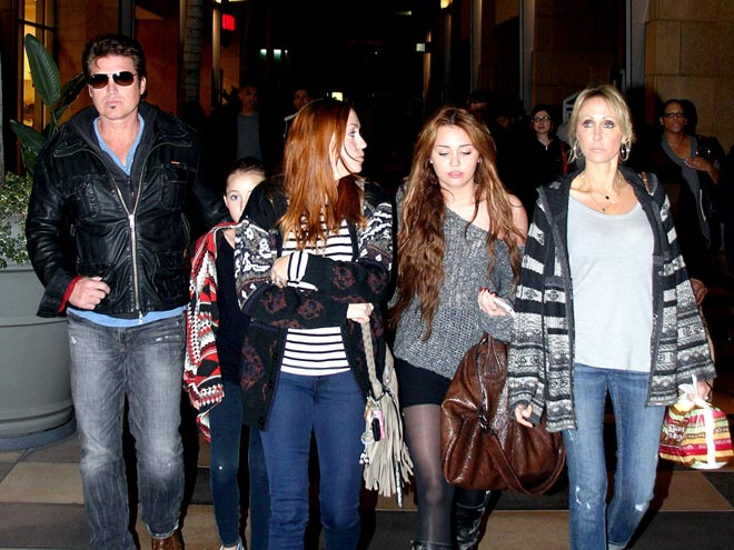 SUNDAY DINNER