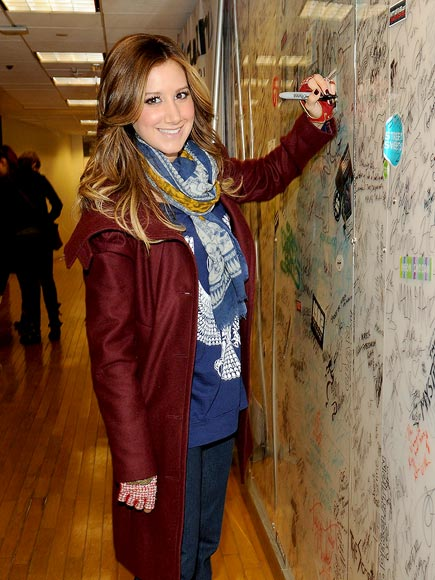 SIGNING OFF photo | Ashley Tisdale