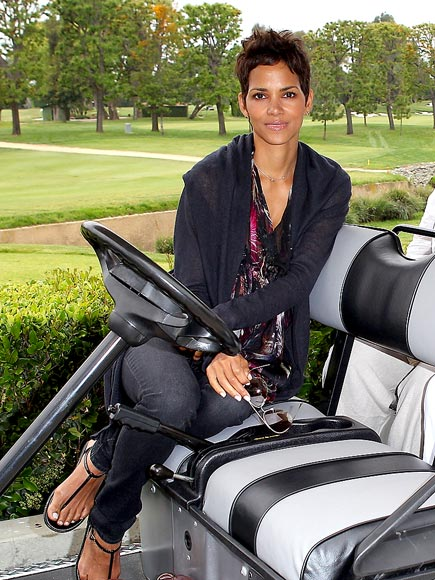 TEE TIME photo | Halle Berry