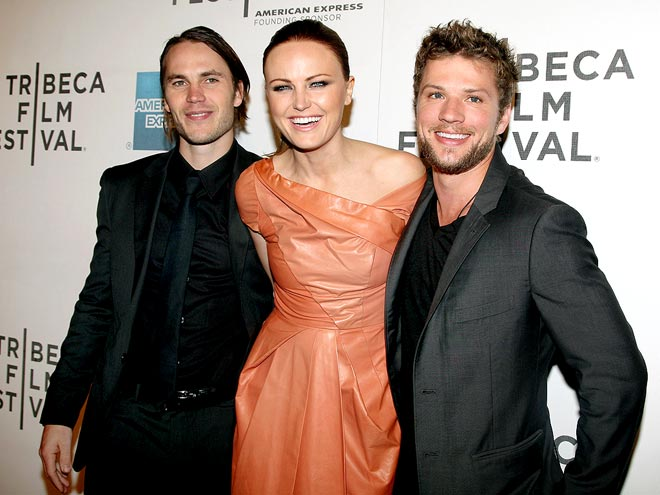 SAY CHEESE! photo | Malin Akerman, Ryan Phillippe, Taylor Kitsch