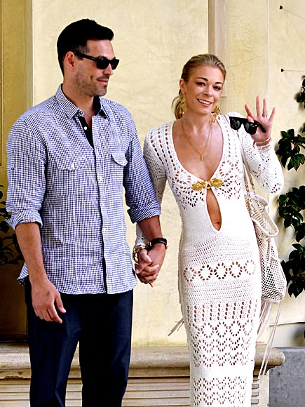 TIGHT KNIT photo | Eddie Cibrian, LeAnn Rimes