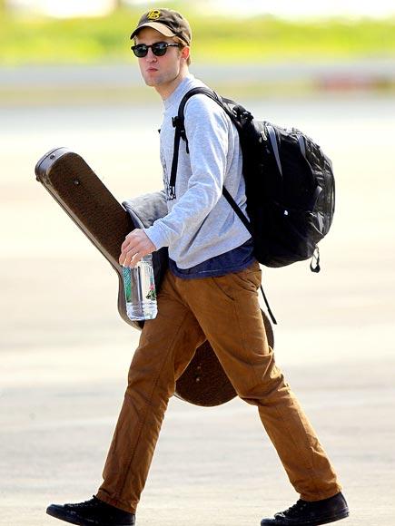 GUITAR HERO photo | Robert Pattinson