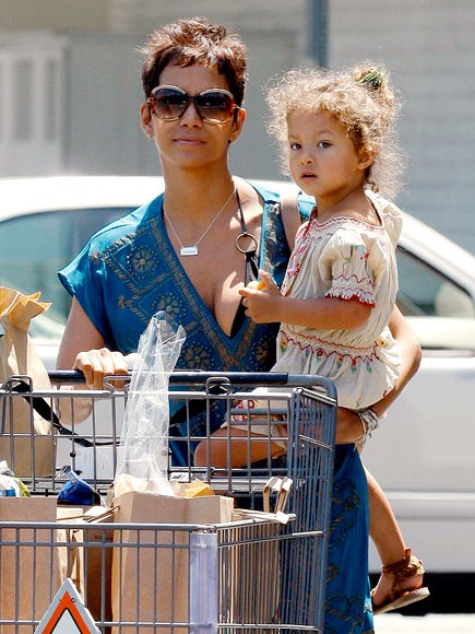 A LA CART photo | Halle Berry