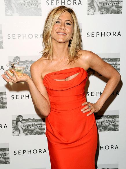 ORANGE SLICE  photo | Jennifer Aniston