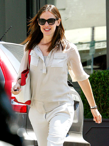 SUNNY DELIGHT photo | Jennifer Garner