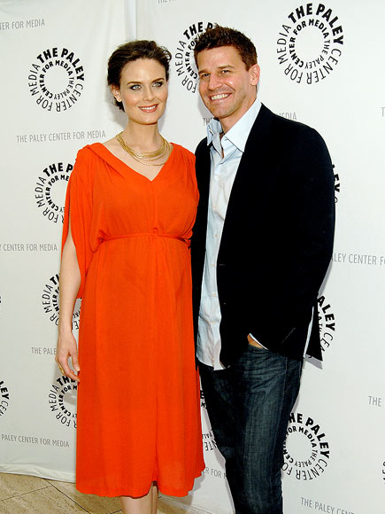 LOVELY 'BONES' photo | David Boreanaz, Emily Deschanel