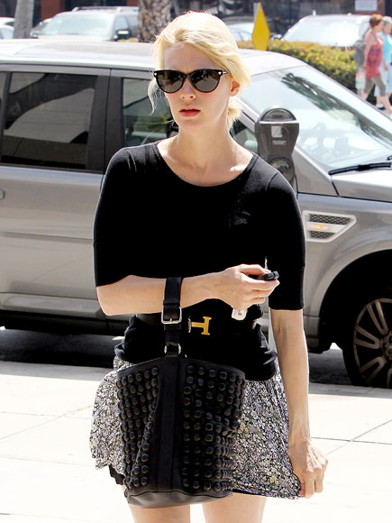 CITY WALK  photo | January Jones