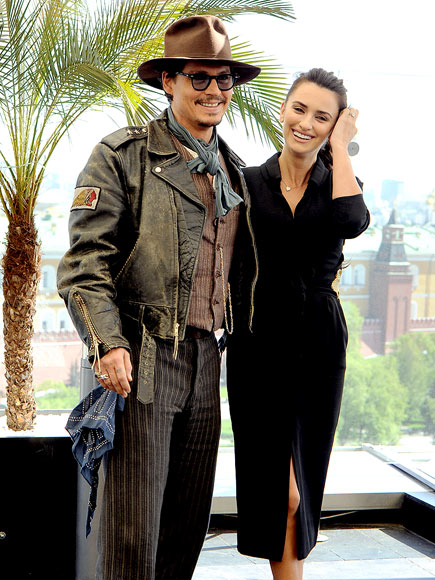 SAY 'ARRRGH!' photo | Johnny Depp, Penelope Cruz