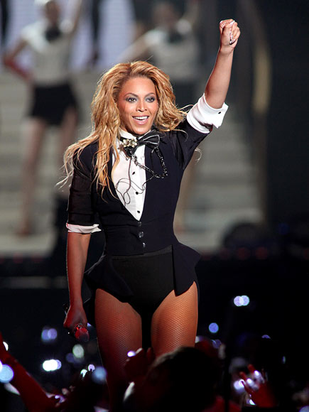 HANDS UP photo | Beyonce Knowles