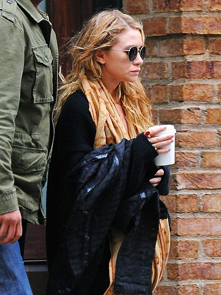 COFFEE CLUTCH photo | Mary-Kate Olsen