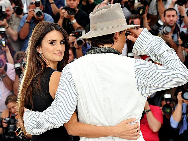 CRUZ IN CANNES photo | Johnny Depp, Penelope Cruz