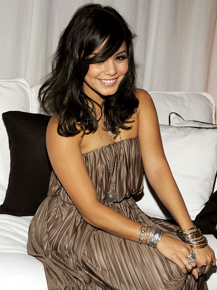 CHIC SEAT photo | Vanessa Hudgens