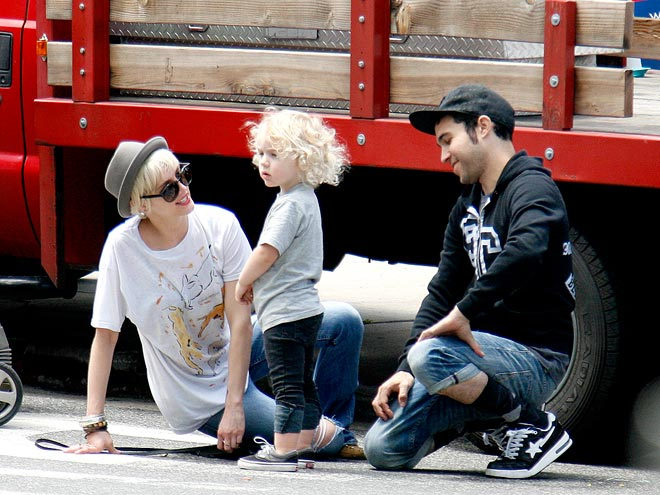 FARM FRESH photo | Ashlee Simpson, Pete Wentz