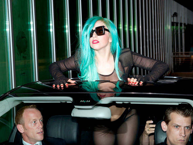 RAISING THE ROOF photo | Lady Gaga