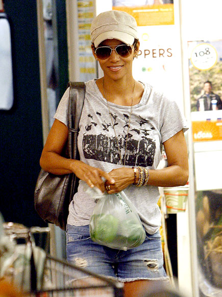 VEGGIE DELIGHT photo | Halle Berry