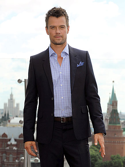 STRAIGHT JACKET photo | Josh Duhamel
