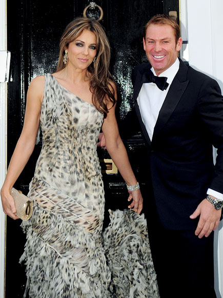 DASHING DEBUT photo | Elizabeth Hurley, Shane Warne
