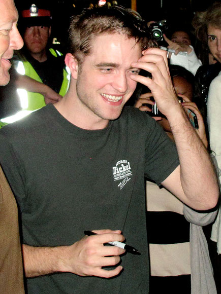 CROWD PLEASER photo | Robert Pattinson