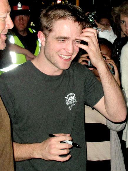 CROWD PLEASER photo | Robert Pattinson