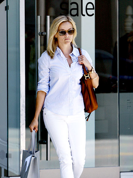 SHOP GIRL photo | Reese Witherspoon