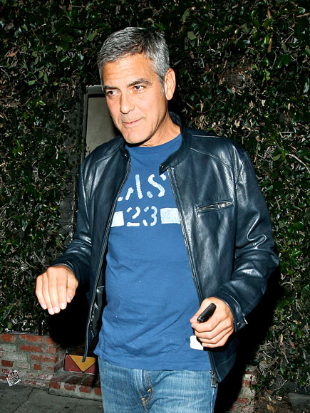 LIVING SINGLE photo | George Clooney