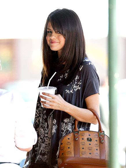 GRUB STREET photo | Selena Gomez