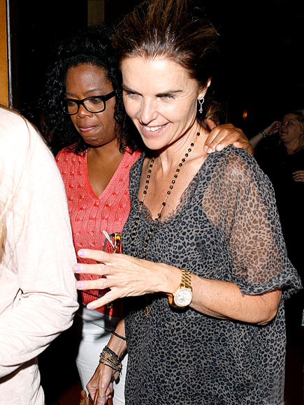 GESTURE IN KIND  photo | Maria Shriver, Oprah Winfrey