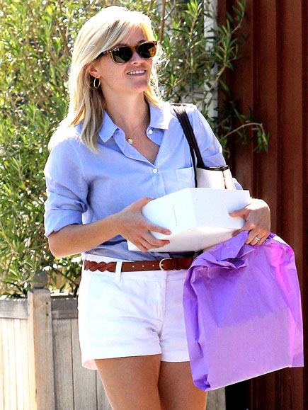 SHORTS ORDER   photo | Reese Witherspoon