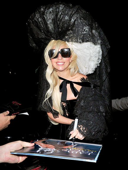 LACE FRONT photo | Lady Gaga