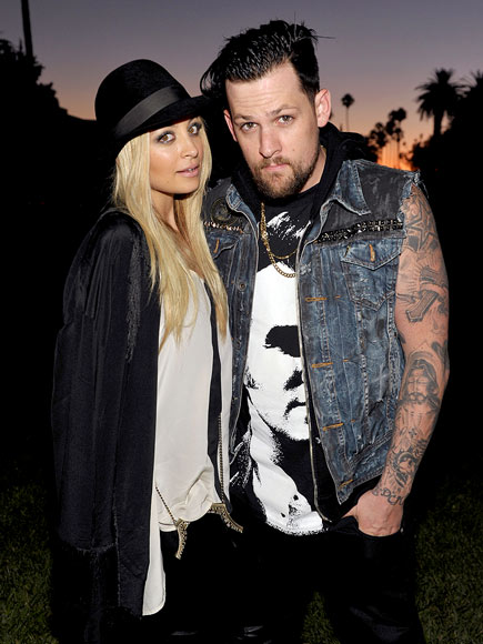 DARK NIGHT