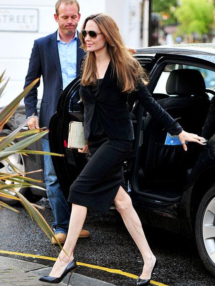 WORLD TRAVELER  photo | Angelina Jolie