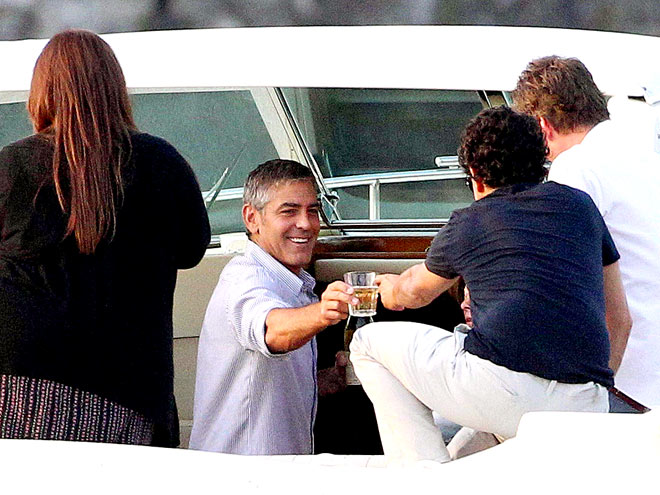 BARTENDER ON BOARD! photo | George Clooney