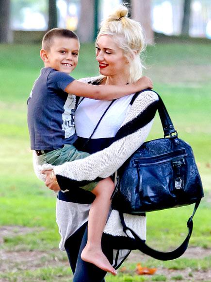 GOING GREEN  photo | Gwen Stefani, Kingston Rossdale