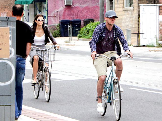 BIKE BUDDIES photo | Jessica Biel, Justin Timberlake