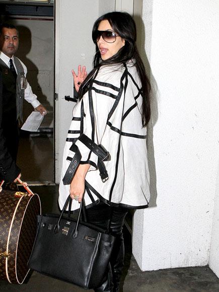 NONSTOP FLIGHT photo | Kim Kardashian