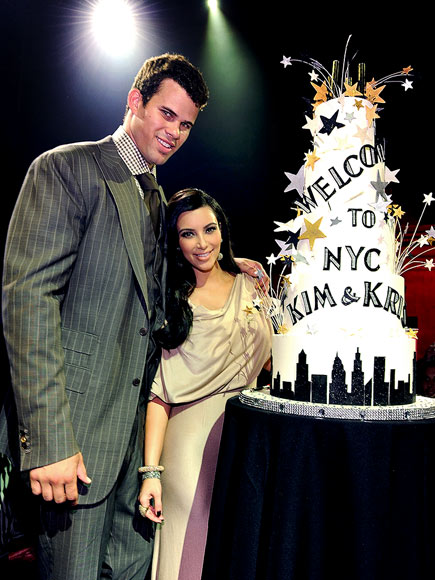 EMPIRE STATE SALUTE photo | Kim Kardashian, Kris Humphries