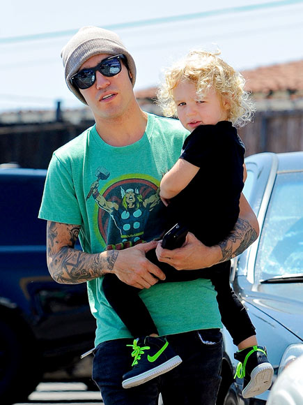 PRECIOUS CARGO photo | Pete Wentz