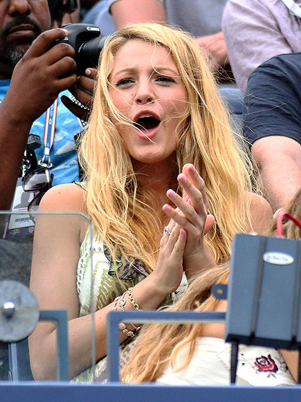 SERENA CHEERS SERENA photo | Blake Lively