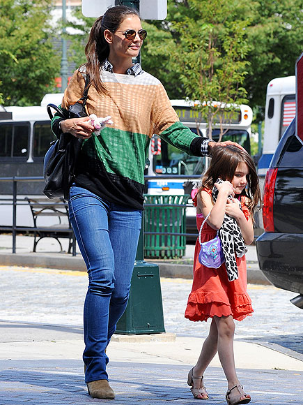 SHE'S A DOLL photo | Katie Holmes, Suri Cruise