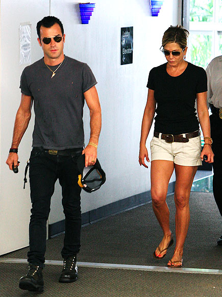 IN SYNC photo | Jennifer Aniston, Justin Theroux