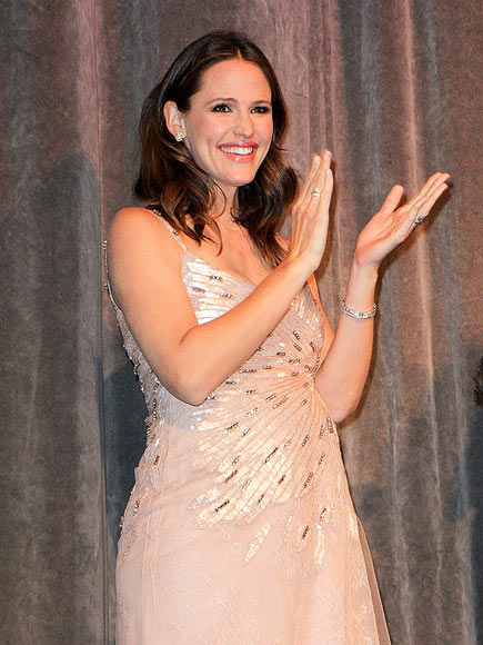 ALL THAT GLITTERS photo | Jennifer Garner