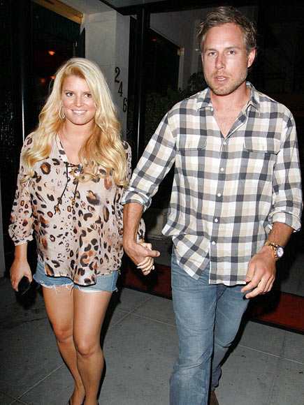 AFTER-DINNER TREAT photo | Jessica Simpson