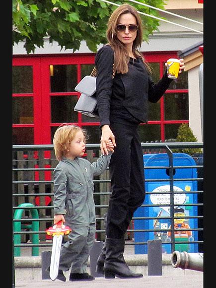 KNOX OUT photo   Angelina Jolie