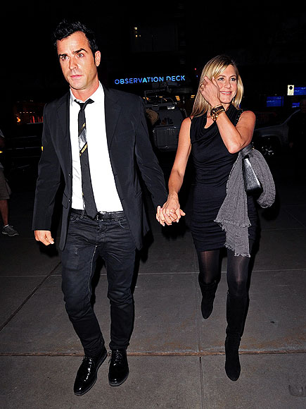 HANDS ON photo | Jennifer Aniston, Justin Theroux