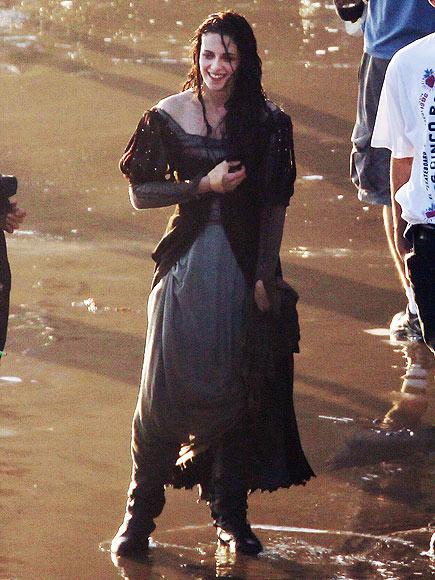 WET DRESSING  photo | Kristen Stewart
