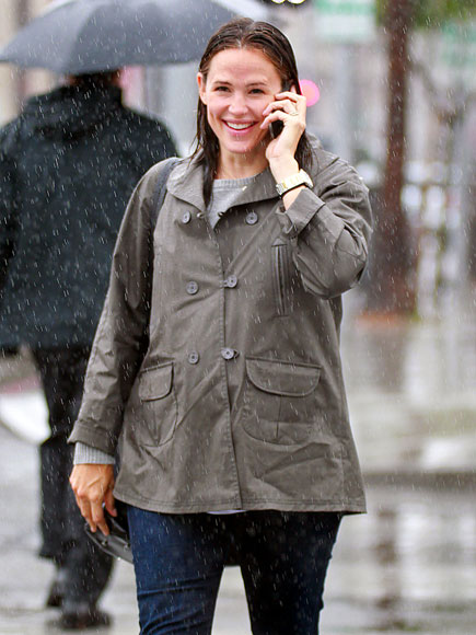 WET WEATHER photo | Jennifer Garner