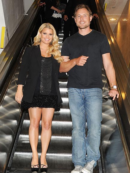 CHIC SHOPPER photo | Eric Johnson, Jessica Simpson