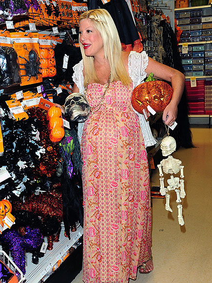 BUMP-KIN PATCH photo | Tori Spelling