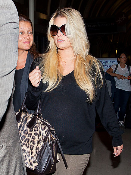 LANDING GEAR photo | Jessica Simpson